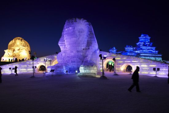 17 Beautiful Ice Sculpture Created From Snow, Ice, and Sand